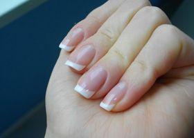 Mijenjanje boja noktiju na rukama