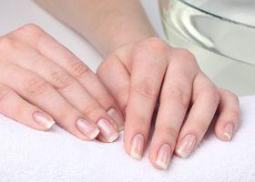 Normalnu boju noktiju