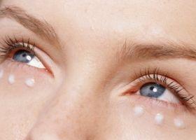 Péče o oční okolí a jemná pokožka kolem očí