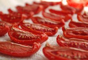Infikované sušená rajčata